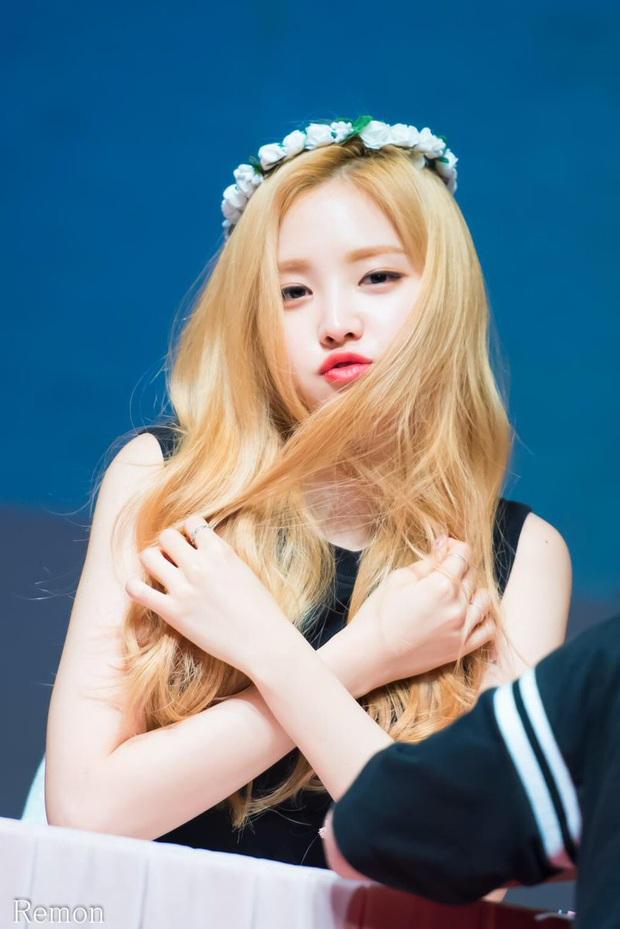 10 idol xứng danh nữ hoàng tóc bạch kim khiến fan u mê không lối thoát: Rosé như công chúa nhưng ấn tượng nhất là Krystal - Ảnh 7.