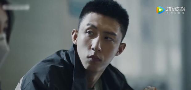 Bất chấp nguy hiểm, hội trai đẹp Dương Dương - Đặng Luân tuyên chiến với COVID-19 ở phim mới - Ảnh 7.