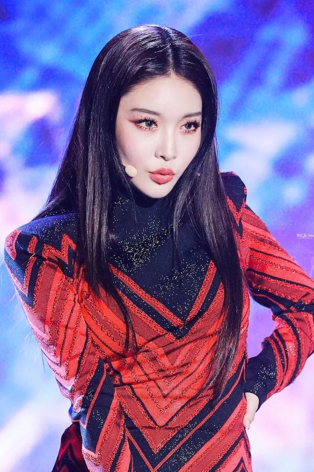 5 idol lột xác khác một trời một vực khi để mặt mộc: Jennie - Chaeyoung như học sinh, nhưng choáng nhất là Hwasa - Ảnh 25.