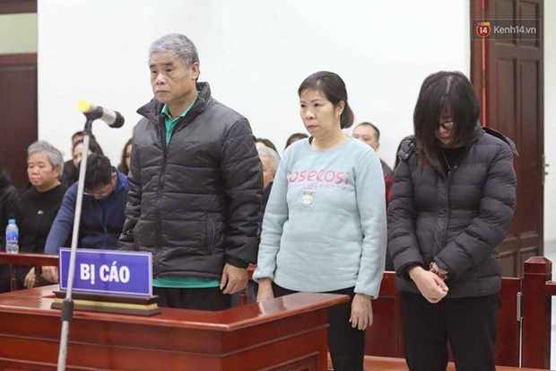 Xử phúc thẩm vụ học sinh trường Gateway tử vong trên xe đưa đón: Bị cáo Nguyễn Bích Quy và Doãn Quý Phiến quay lại xin lỗi gia đình bị hại - Ảnh 1.