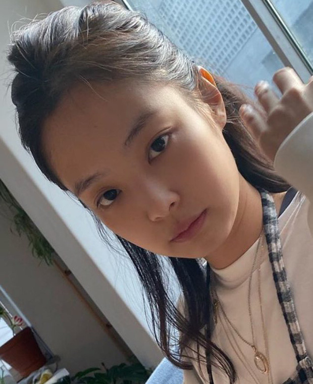 5 idol lột xác khác một trời một vực khi để mặt mộc: Jennie - Chaeyoung như học sinh, nhưng choáng nhất là Hwasa - Ảnh 7.