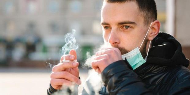 Đại dịch COVID-19 khiến 1 triệu người Anh sợ và bỏ thuốc lá - Ảnh 1.