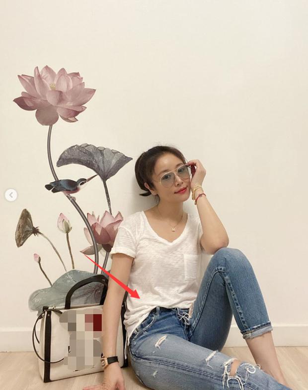 Đập tan tin đồn mang bầu lần 2 ở tuổi 44, Lâm Tâm Như đăng loạt ảnh khoe dáng thon đáng ngưỡng mộ - Ảnh 2.