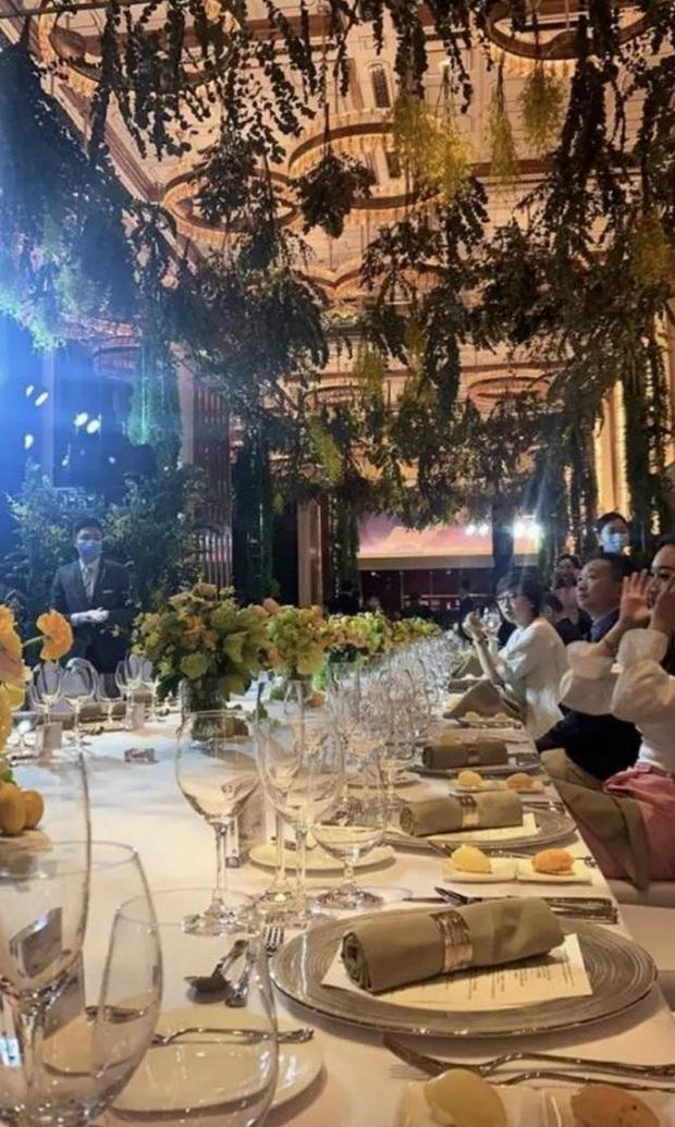 Công chúa út của Vua sòng bài Macau hội ngộ dàn rich kid Trung Quốc, nghi vấn dấn thân vào showbiz cùng hội chị em giới siêu giàu - Ảnh 2.