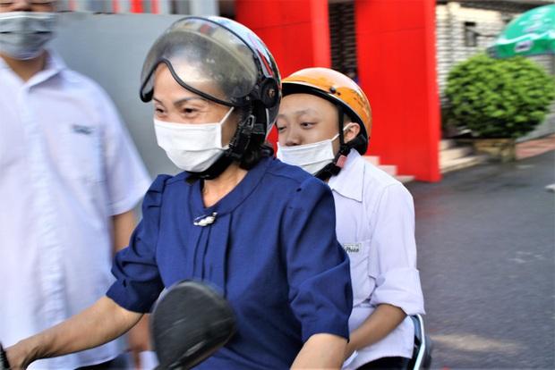Hải Phòng: Nam sinh xương thủy tinh ước mơ đỗ vào trường ĐH Bách khoa - Ảnh 1.