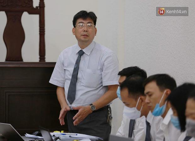 Tuyên án vụ học sinh trường Gateway tử vong: Bị cáo Nguyễn Bích Quy và Doãn Quý Phiến nhận tổng cộng 31 tháng tù; giáo viên chủ nhiệm 10 tháng tù treo - Ảnh 4.