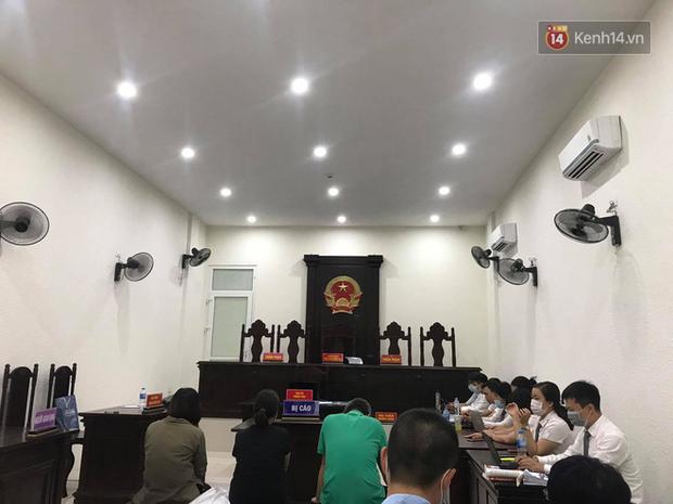 Tuyên án vụ học sinh trường Gateway tử vong: Bị cáo Nguyễn Bích Quy và Doãn Quý Phiến nhận tổng cộng 31 tháng tù; giáo viên chủ nhiệm 10 tháng tù treo - Ảnh 5.