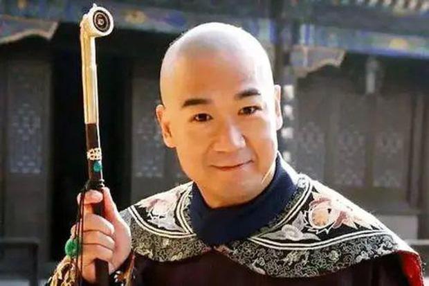 Xót xa hình ảnh Càn Long Trương Quốc Lập tiều tụy, phải có người dìu đỡ, vất vả đi làm 18 giờ/ ngày ở tuổi 65 - Ảnh 5.