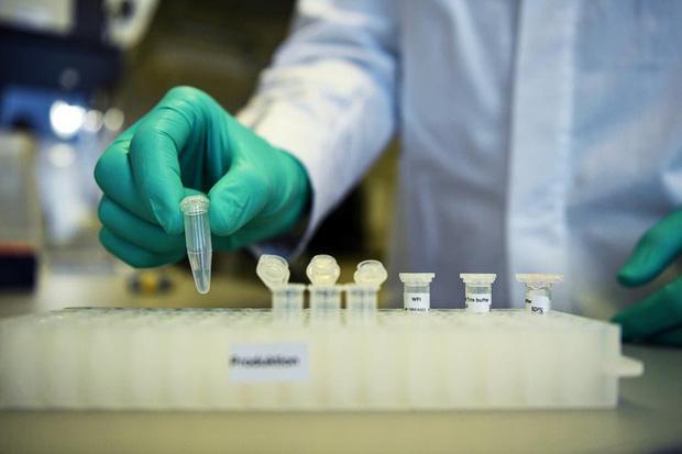 Những ai sẽ được tiêm vaccine COVID-19 đầu tiên tại Mỹ? - Ảnh 1.