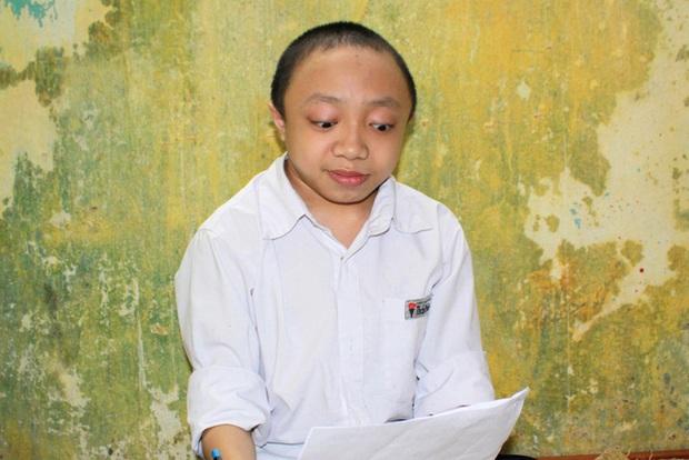 Hải Phòng: Nam sinh xương thủy tinh ước mơ đỗ vào trường ĐH Bách khoa - Ảnh 3.