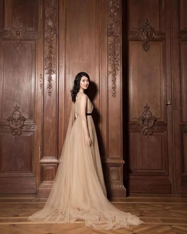 Công chúa út của Vua sòng bài Macau hội ngộ dàn rich kid Trung Quốc, nghi vấn dấn thân vào showbiz cùng hội chị em giới siêu giàu - Ảnh 6.