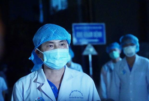 Đà Nẵng: Người dân cùng y bác sĩ vỗ tay hát Như có Bác Hồ trong ngày vui đại thắng trong giây phút dỡ bỏ cách ly - Ảnh 11.