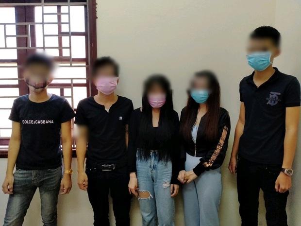 4 nam thanh niên và 2 cô gái đập đá tập thể trong villa ở Đà Nẵng giữa mùa dịch Covid-19 - Ảnh 1.