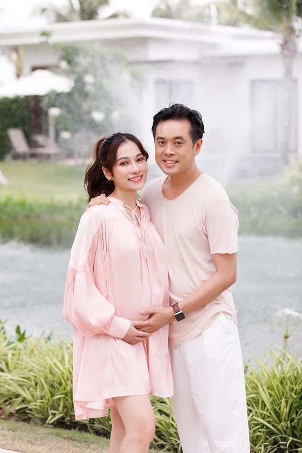 Vợ chồng Dương Khắc Linh tự tay trang trí phòng cực dễ thương chuẩn bị đón 2 nhóc tỳ: Bố mẹ trẻ nôn nóng lắm rồi đây! - Ảnh 8.