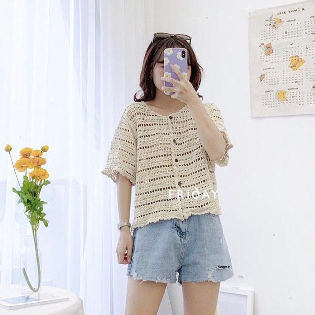 Kiểu áo bạn nên sắm trước tiên thu này chính là cardigan len móc, diện lên xinh chuẩn Hàn Quốc - Ảnh 9.