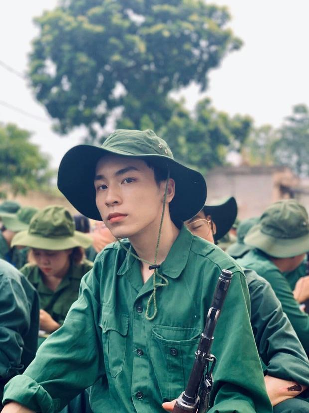 Cứ nghĩ học quân sự là mệt mỏi, xấu xí nhưng dàn cực phẩm đến từ ĐH Hà Nội chứng minh điều ngược lại - Ảnh 6.