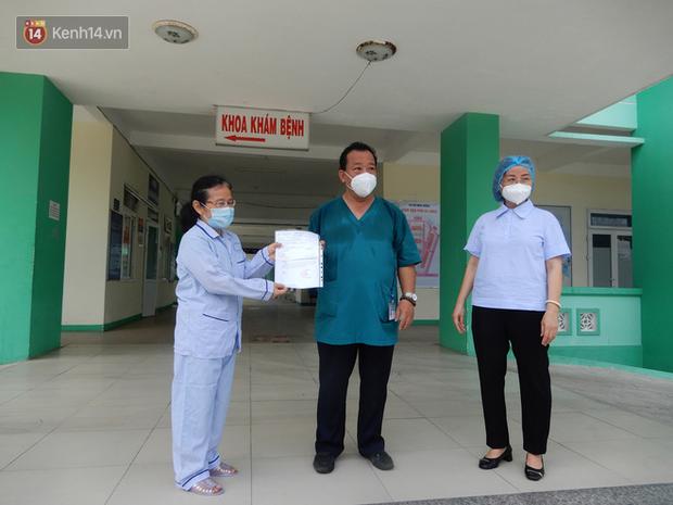 Thêm 1 bệnh nhân Covid-19 ở Đà Nẵng được xuất viện: Ngày mà tôi mong mỏi nhất cũng đã đến - Ảnh 2.