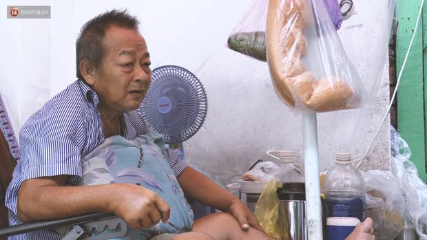 Vợ điếc, chồng mù sống trong căn nhà 1m2 giữa Sài Gòn: Bây giờ có tiền, vào viện cũng không ai chăm nuôi... - Ảnh 8.