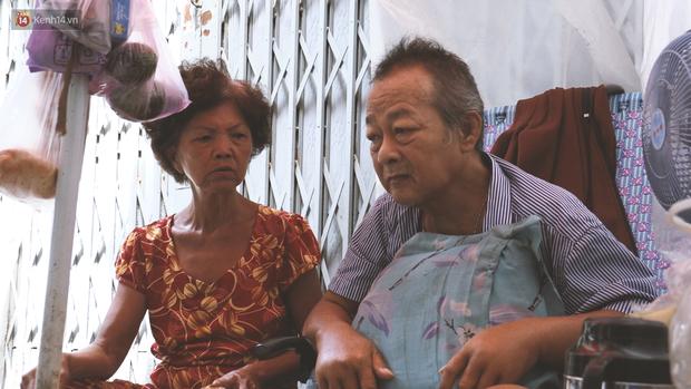 Vợ điếc, chồng mù sống trong căn nhà 1m2 giữa Sài Gòn: Bây giờ có tiền, vào viện cũng không ai chăm nuôi... - Ảnh 7.