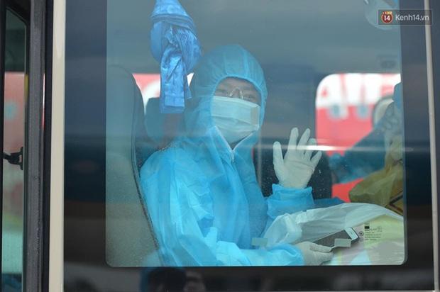 Ảnh, clip: Chuyến bay đầu tiên đưa hành khách từ Đà Nẵng về Hà Nội - Ảnh 6.