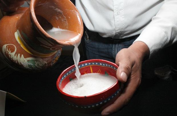 """10 loại đồ uống truyền thống """"kinh dị"""" nhất trên thế giới, Việt Nam cũng có món rượu rắn khiến không ít người sợ hãi - Ảnh 14."""