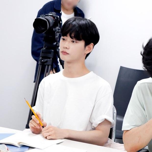 Thêm dự án hai nam idol yêu nhau rục rịch lên sóng, đam mỹ là xu hướng mới của Hàn? - Ảnh 6.