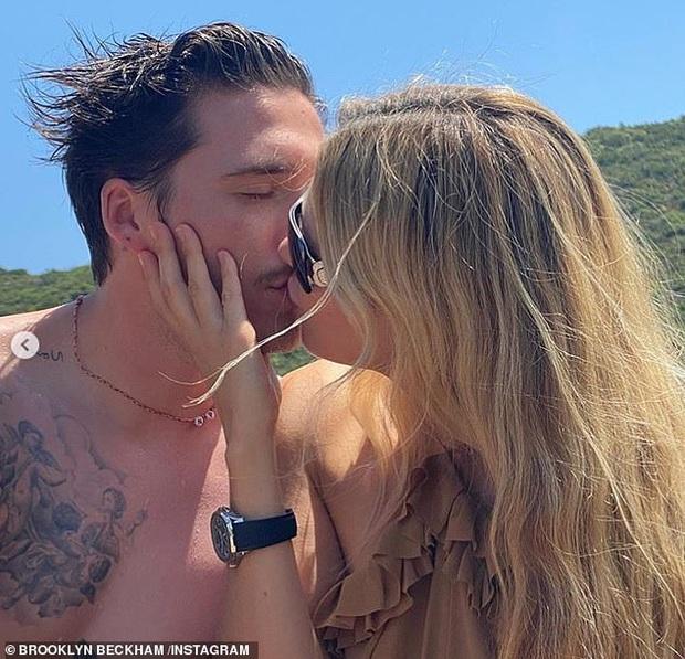 Mới đính hôn 1 tháng, hôn thê tài phiệt của Brooklyn Beckham đã thông báo tin mang thai gây xôn xao Hollywood? - Ảnh 3.