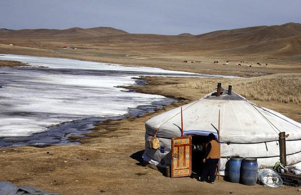 Mông Cổ: Rình rập nguy cơ bùng phát dịch hạch, thêm một bệnh nhân tử vong - Ảnh 1.