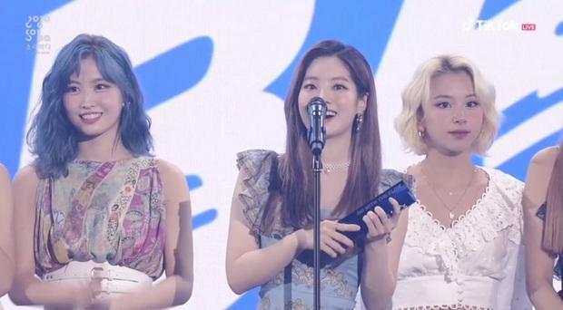BTS giật giải Daesang duy nhất của Soribada Awards dù không tham dự; TWICE, Red Velvet và Kang Daniel chia đều các giải quan trọng còn lại - Ảnh 4.