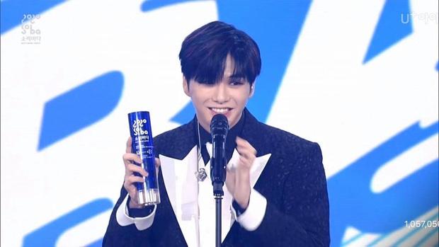 BTS giật giải Daesang duy nhất của Soribada Awards dù không tham dự; TWICE, Red Velvet và Kang Daniel chia đều các giải quan trọng còn lại - Ảnh 5.