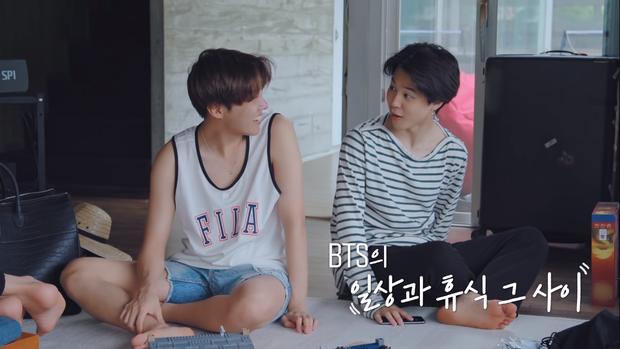 BTS khoe mặt mộc, tóc tai không thèm chải trong show thực tế mới - Ảnh 8.