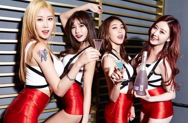 Kbiz rầm rộ tin gây sốc: Idol nhóm nhạc nữ được 2 đại gia bao nuôi cùng lúc, nay mang thai nhưng khổ sở vì bị chối bỏ - Ảnh 7.