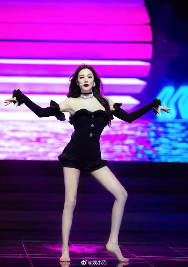 Song Hye Kyo Trung Quốc gây choáng toàn tập với body chấp cả idol Kpop, tìm hiểu kỹ mới biết đây là mẹ bỉm U35 có 2 con - Ảnh 2.