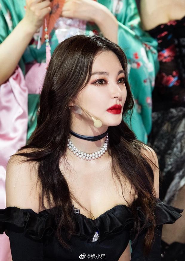 Song Hye Kyo Trung Quốc gây choáng toàn tập với body chấp cả idol Kpop, tìm hiểu kỹ mới biết đây là mẹ bỉm U35 có 2 con - Ảnh 8.