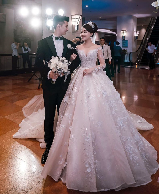 Trước khi bị phụ bạc, Âu Hà My từng hóa công chúa trong đám cưới cổ tích với 3 bộ váy cưới đính kim cương giá 1 tỉ đồng - Ảnh 12.
