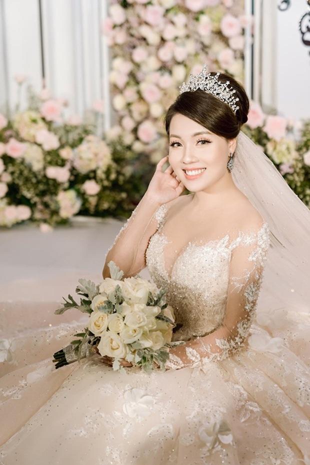 Trước khi bị phụ bạc, Âu Hà My từng hóa công chúa trong đám cưới cổ tích với 3 bộ váy cưới đính kim cương giá 1 tỉ đồng - Ảnh 13.