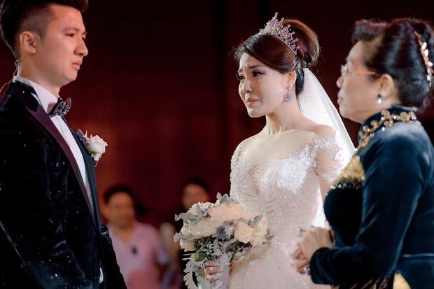 Trước khi bị phụ bạc, Âu Hà My từng hóa công chúa trong đám cưới cổ tích với 3 bộ váy cưới đính kim cương giá 1 tỉ đồng - Ảnh 15.