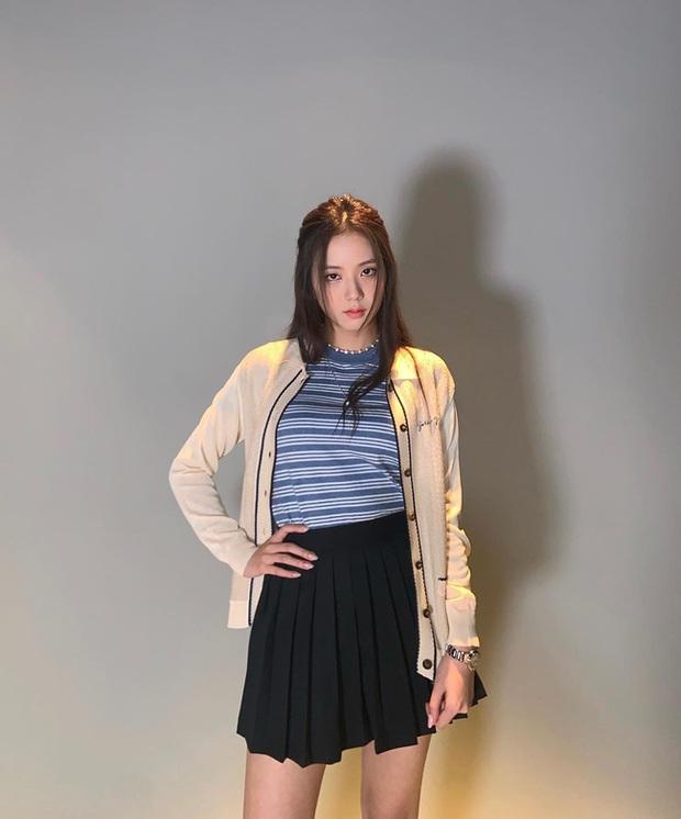 Chân váy ngắn chính là bảo bối của hội mỹ nhân thấp bé Kbiz và loạt cách diện sành điệu đáng học từ họ - Ảnh 6.