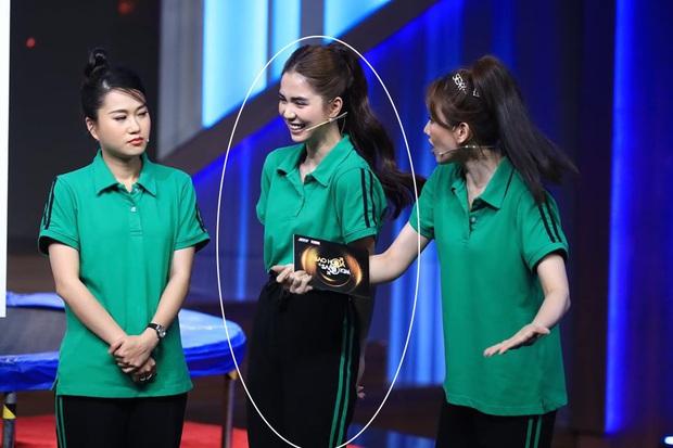 Ngọc Trinh chơi chiêu hack dáng, Hari Won đứng ngay cạnh cũng phải chịu thua - Ảnh 7.