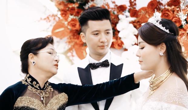 Mẹ Hà My từng khóc hết nước mắt khi trao con cho Trọng Hưng: Đây là viên kim cương bố mẹ kì công gọt dũa - Ảnh 2.