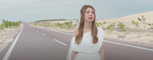 Dàn nữ chính MV Vpop chịu cái kết tủi hờn khi xuất hiện tiểu tam: Người ra đi đầy bẽ bàng, kẻ ngậm đắng nuốt cay lùi về sau - Ảnh 30.