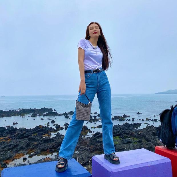 Sao Hàn có 10 cách diện áo phông trắng xinh nức nở, bạn cứ học theo là style chẳng bao giờ bị chê nhạt - Ảnh 3.