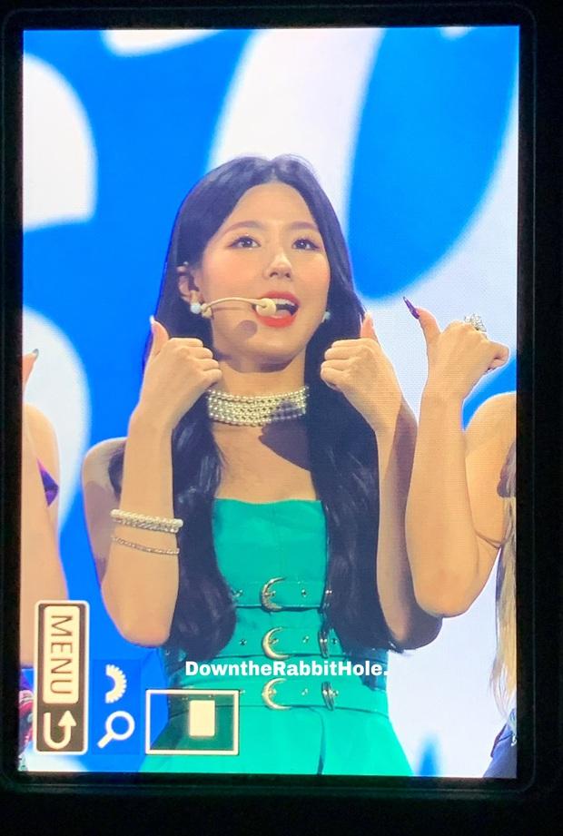 Chết cười hình ảnh các fansite tại Soribada Awards bị tóm lúc chụp trộm, may mà những tấm ảnh sót lại vẫn okila! - Ảnh 23.