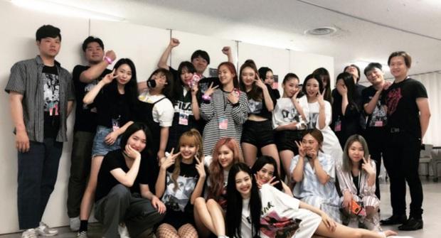 Nữ idol 29 tuổi vẫn miệt mài debut: Từng là backup-dancer của BLACKPINK, đã ra mắt cùng 4 nhóm nhạc nhưng kết cục đều tan rã - Ảnh 1.