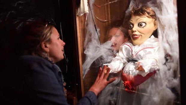 Dân mạng thế giới hoảng hốt khi nghe tin búp bê Annabelle bỏ trốn khỏi bảo tàng Warren, nhưng sự thật là gì? - Ảnh 3.
