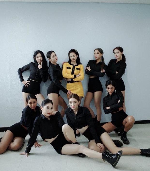 Nữ idol 29 tuổi vẫn miệt mài debut: Từng là backup-dancer của BLACKPINK, đã ra mắt cùng 4 nhóm nhạc nhưng kết cục đều tan rã - Ảnh 3.