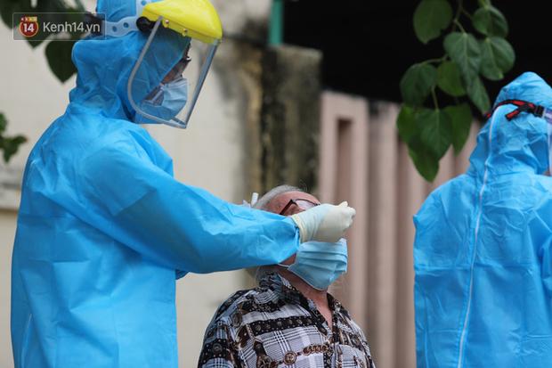 2 bà cháu nhiễm Covid-19 ở Quảng Nam là F1 của ông nội, gia đình buôn bán tạp hóa - Ảnh 2.