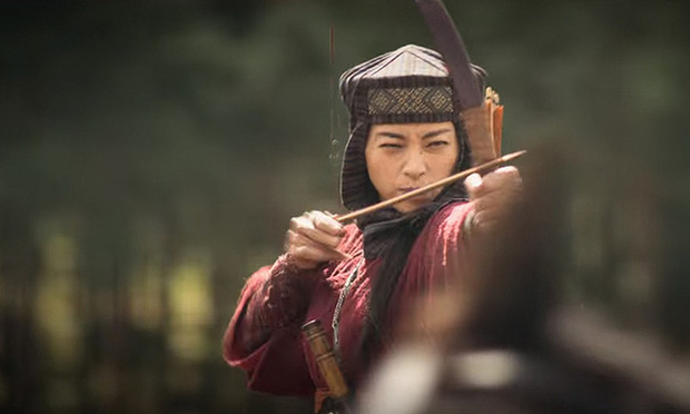 """Chị đại Ngô Thanh Vân lên báo nước ngoài nhận mình là """"đả nữ duy nhất của điện ảnh Việt Nam"""" - Ảnh 1."""