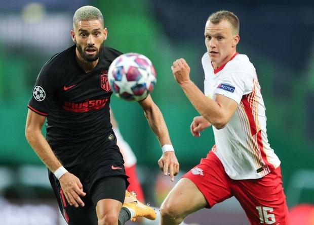 Leipzig 2-1 Atletico Madrid: Bàn thua phút 88 khiến giấc mơ Champions League của thầy trò Simeone tan thành mây khói, RB Leipzig lập kỷ lục vô tiền khoáng hậu - Ảnh 2.