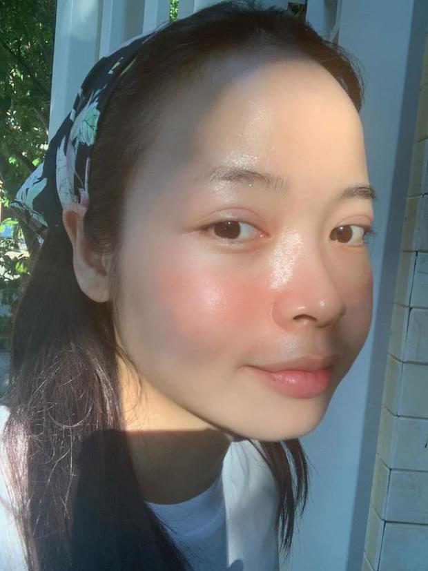 Beauty bloger da hỗn hợp thiên dầu bật mí 3 sản phẩm quyết định làn da mịn màng căng bóng  - Ảnh 1.